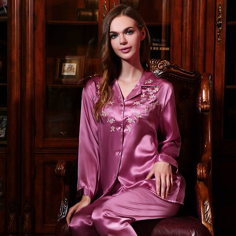Plum 2 Pieces 100% Chinese Silk Delicate Embroidery Spring Autumn Pajamas for Ladies Girls M L XL XXL
