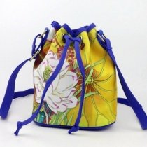 Durable Lightweight Gold Canvas Colorful Flower Print Sewing Pattern Lady Small Casual Bucket-shaped Drawstring Crossbody Shoulder Bag