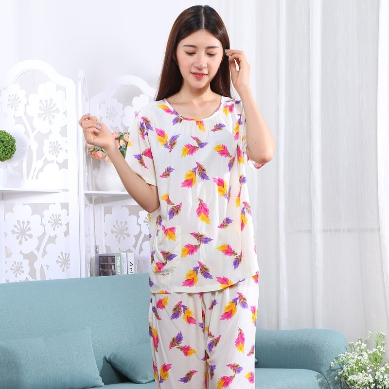 Leaf Print Viscose 2 Pieces Short Sleeve and Cropped Trousers Plus Size Spring Pajamas for Women XXL XXXL XXXXL