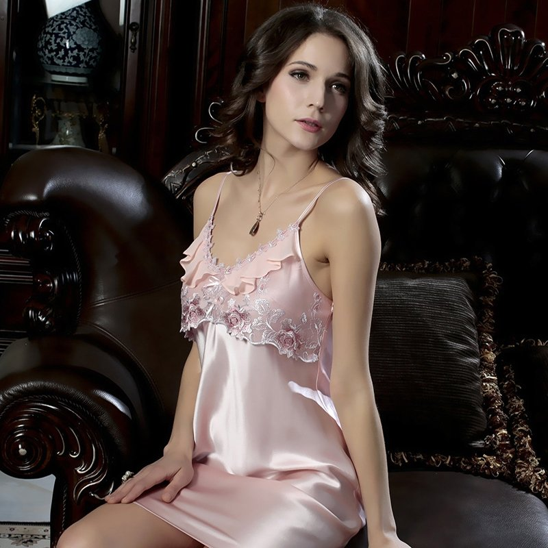 Ladies Pajamas Pink Royal Noble Fine Lace Sexy Flower Classic Princess V-neck Straps Backless
