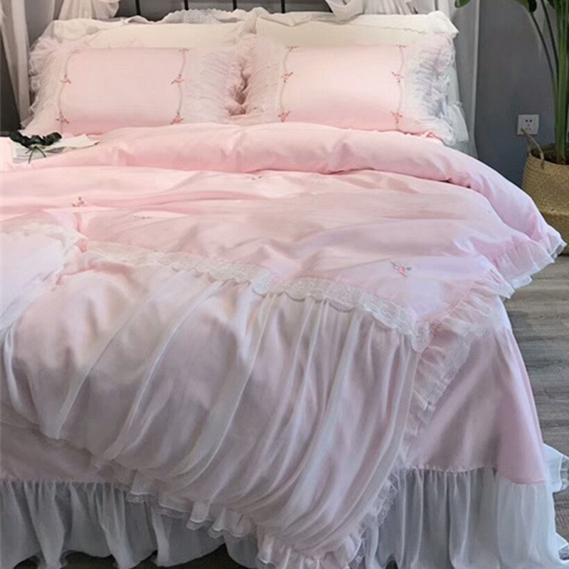 Nice Girls Light Pink and White Floral Victorian Lace Ruffle Sophisticated Elegant Full, Queen Size Bedding Sets