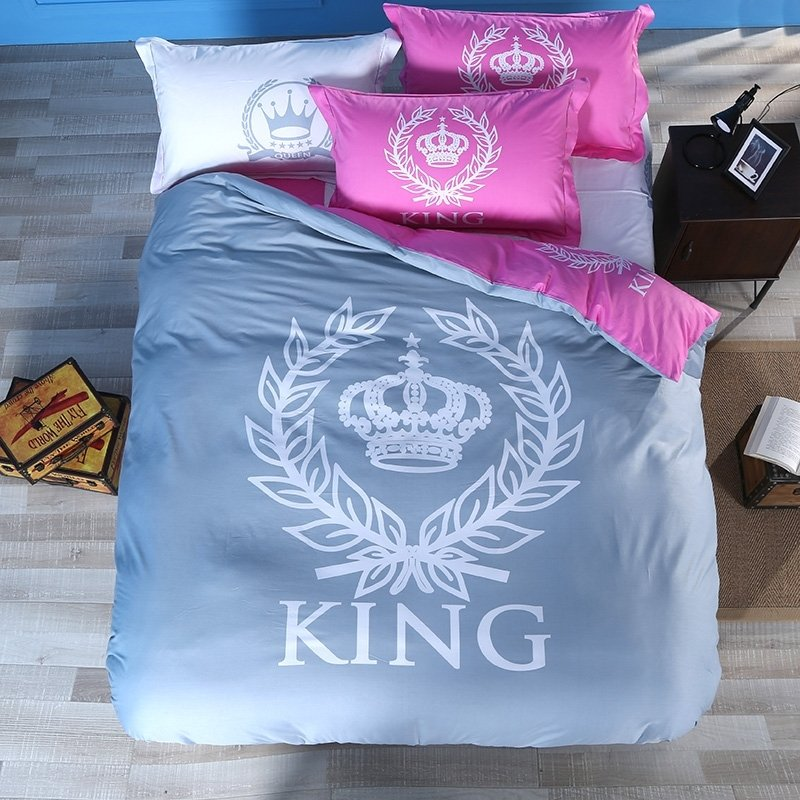 Grey Pink and White Crown and Medallion Print Royal Style Simple and Fashion Reversible 100% Cotton Twin, Full, Queen Size Bedding Sets