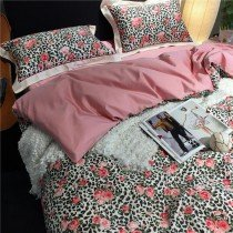 Black White and Pink Leopard and Rose Print Sexy Style Elegant Girls Full, Queen Size Bedding Sets