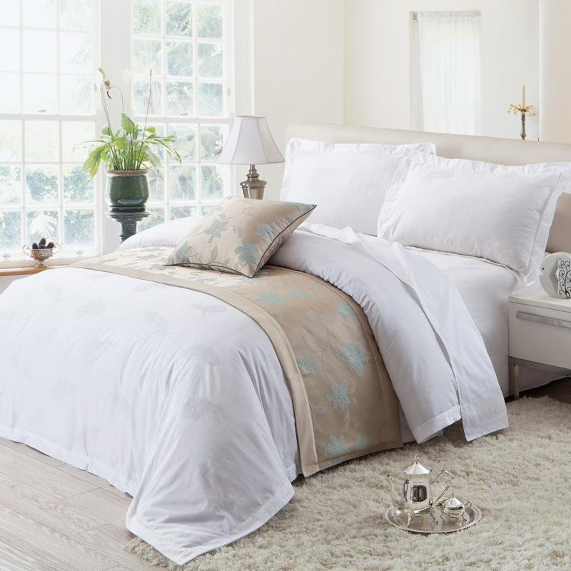Romantic White Solid Pure Color Bird Feather Print 5 Star Royal Hotel Full, Queen Size Bedding Sets