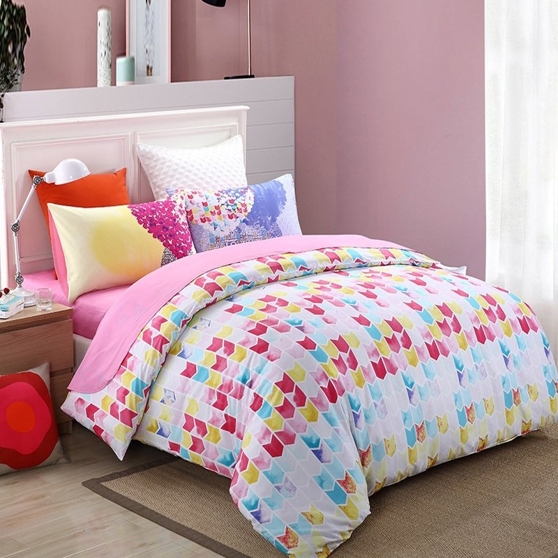 Pink Red Aqua and White Modern Colorful Trellis Print Abstract Design City Chic 100% Cotton Damask Full, Queen Size Bedding Sets