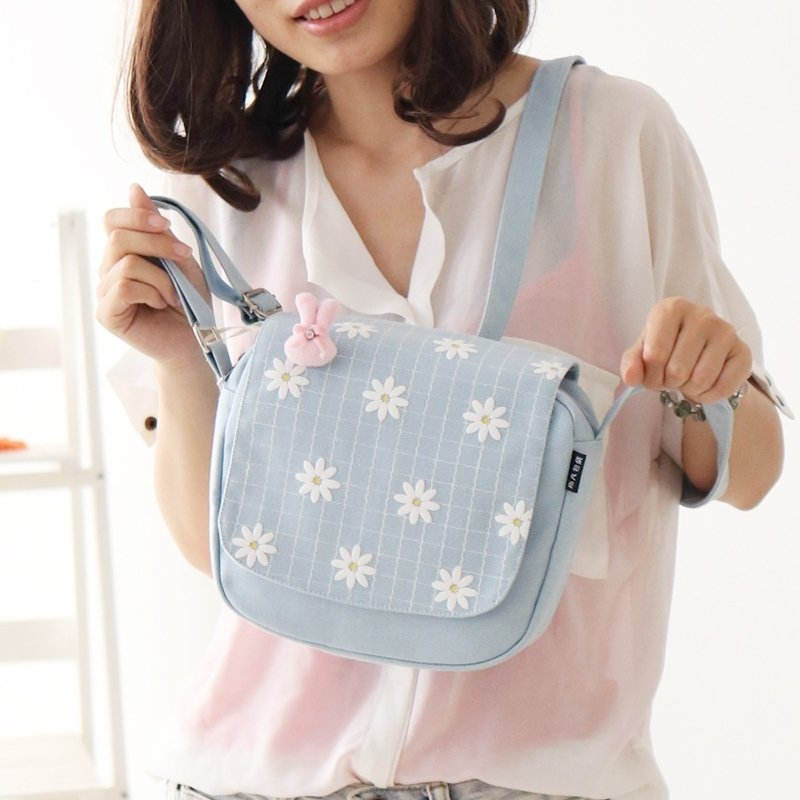 Durable Light Blue Canvas Girls Small Flap Saddle Bag Stylish White Floral and Plaid Cute Girly Korean Style Crossbody Shoulder Bag
