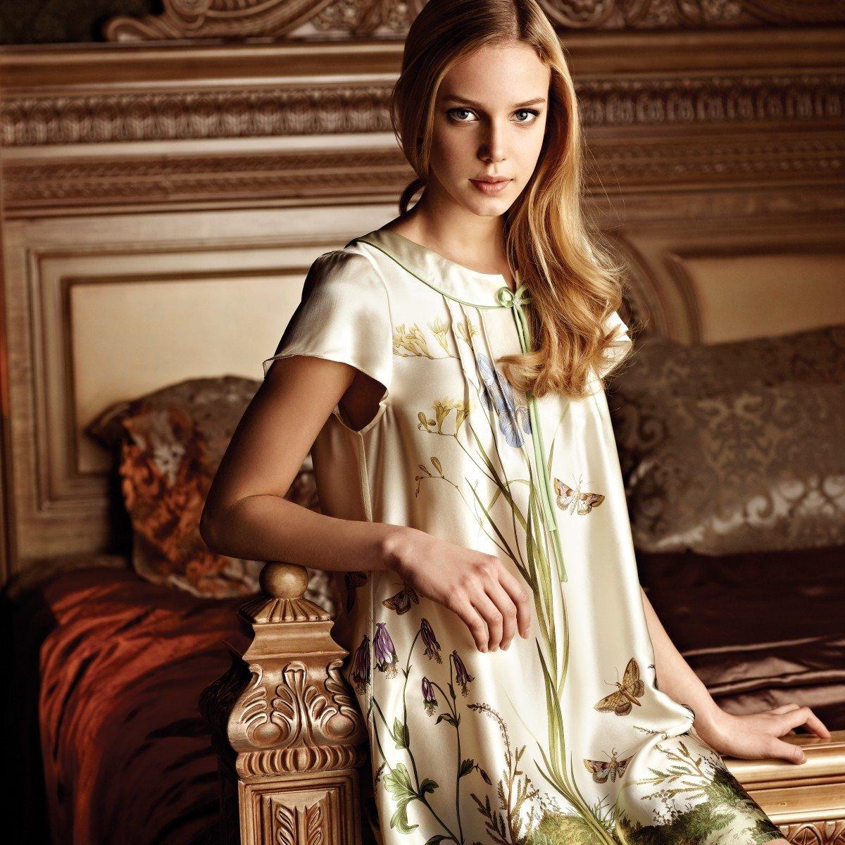 Rustic Fresh Flower Princess Classic Vintage Women 100% Silk Pajamas