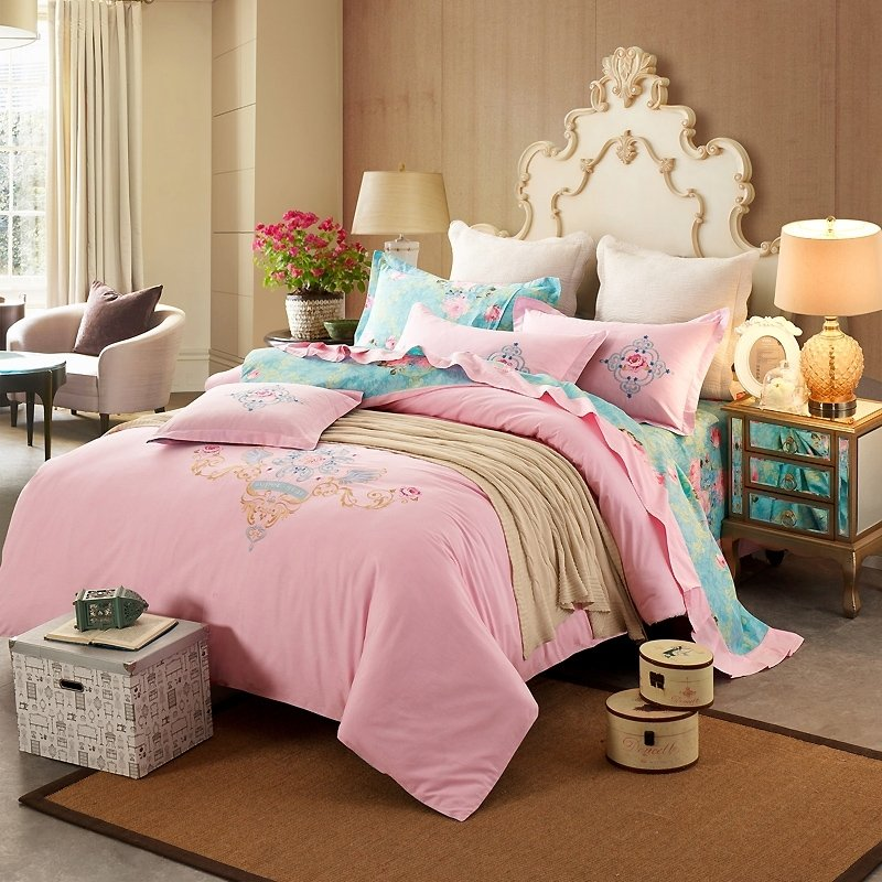 Pink and Sky Blue Elegant Girls Rococo Pattern Abstract Design Modern Chic 100% Cotton Damask Full, Queen Size Bedding Sets