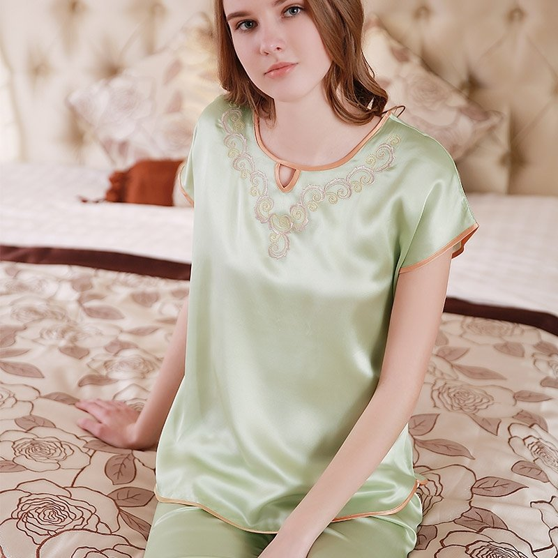 Laurel Green 100% Nature Silk Embroidered Short Sleeve Knee Length 2 Pieces Elegant Pajama Set for Feminine Girly M L XL