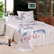 Romantic Off White Blue and Red Asian Inspired Chinese Ink and Wash Painting Style 100% Mulberry Silk Bedding Sets