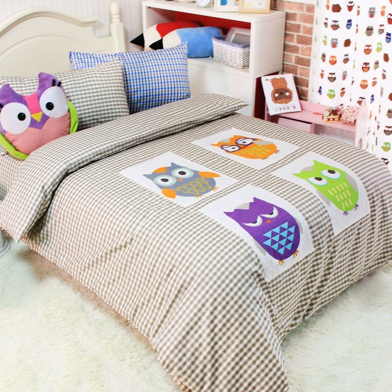 Purple Green Yellow and Gray Retro Night Owl Print with Grey and White Checkered Plaid Jungle Animal Girls and Boys Full Size Bedding Sets