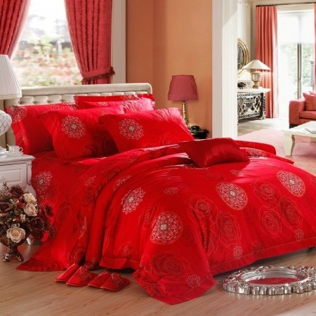 Chinese Red Tribal Circle Print Boutique and Luxury High Thread Count Egyptian Cotton Queen Size Bedding Sets