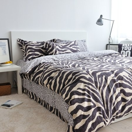 Black and White Zebra Stripe and Leopard Pattern Shabby Chic Hipster Style Reversible 100% Brushed Cotton Full, Queen Size Bedding Sets