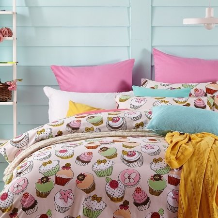Girls Carnation Pink Green and White Stylish Lifestyle Cake Print Personalized 100% Brushed Cotton Full, Queen Size Bedding Sets