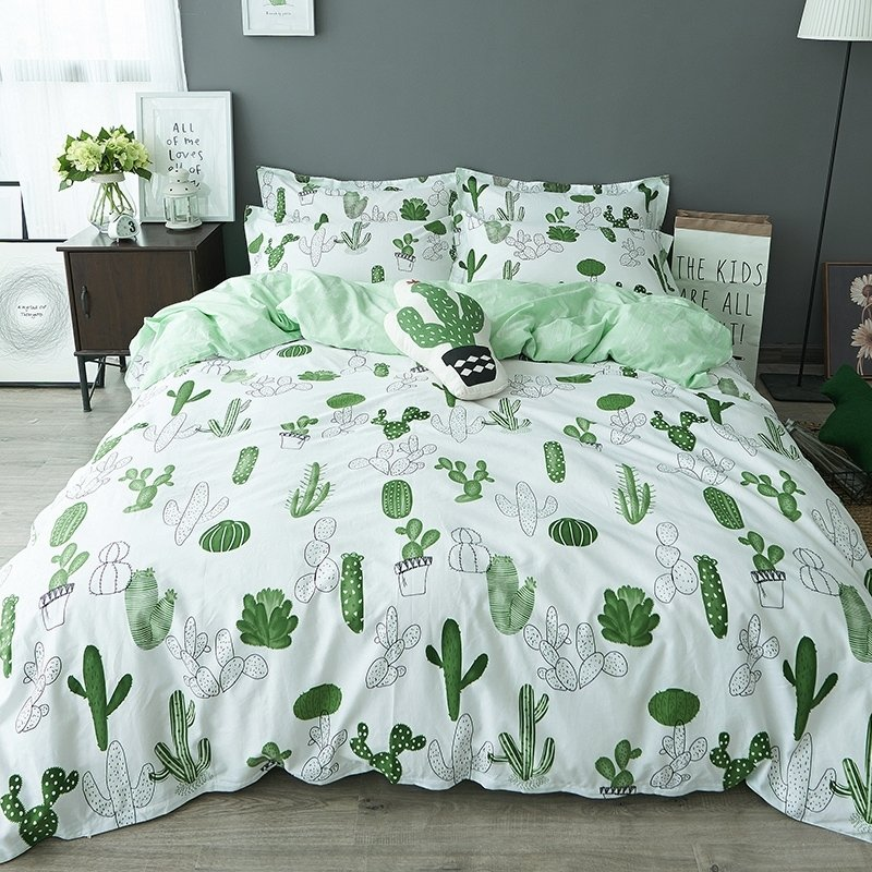 Forest Green and White Cactus Print Desert Plants Shabby Chic Natural Reversible 100% Cotton Twin, Full Size Bedding Sets