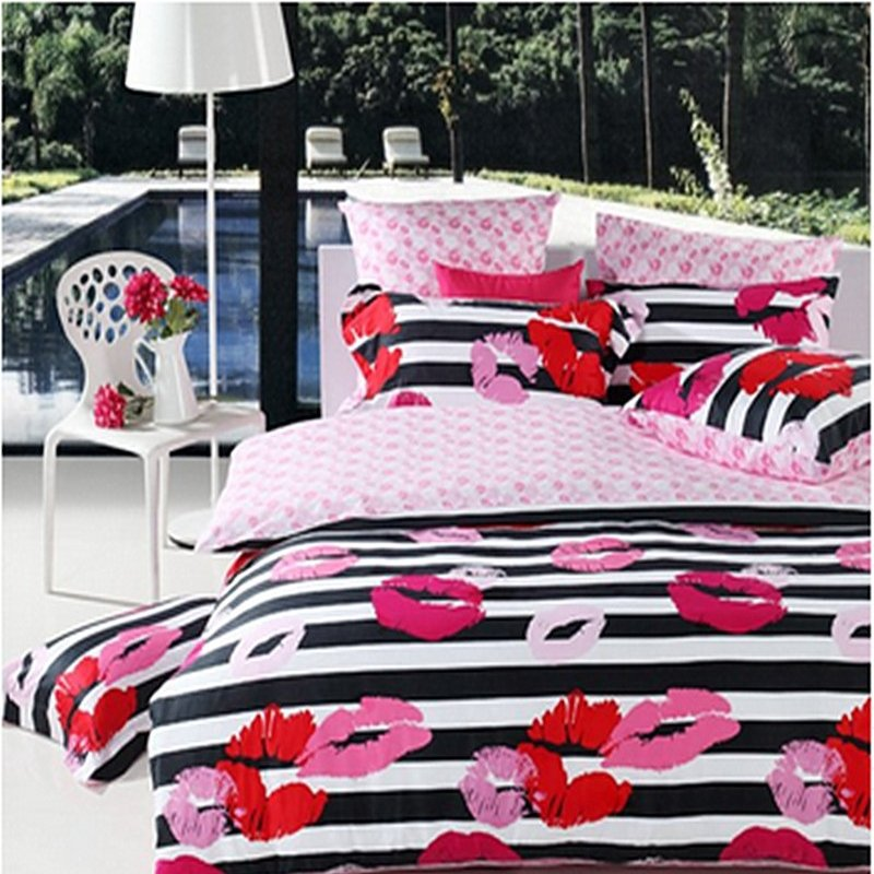 Hot Pink Red Black and White Stripe and Sexy Kiss Print Stylish Romantic Cute Girly 100% Cotton Full, Queen Size Bedding Sets