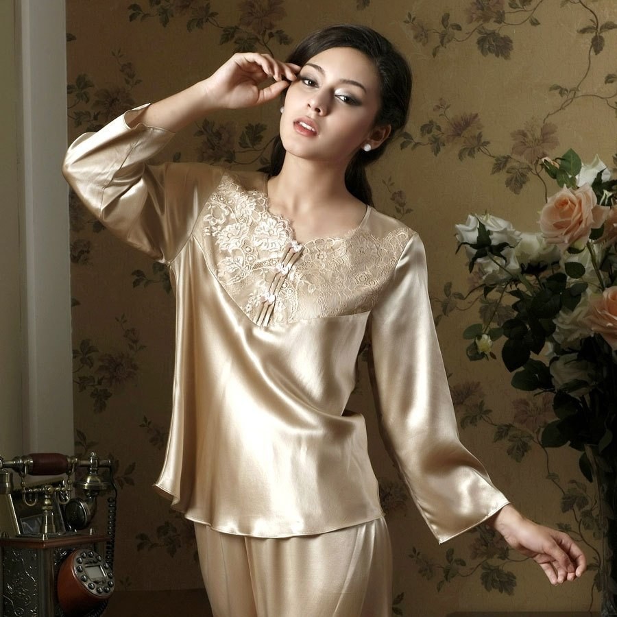 Sexy Lace Gorgeous Princess Chic V-neck Long Sleeve 100% Silk Pajamas