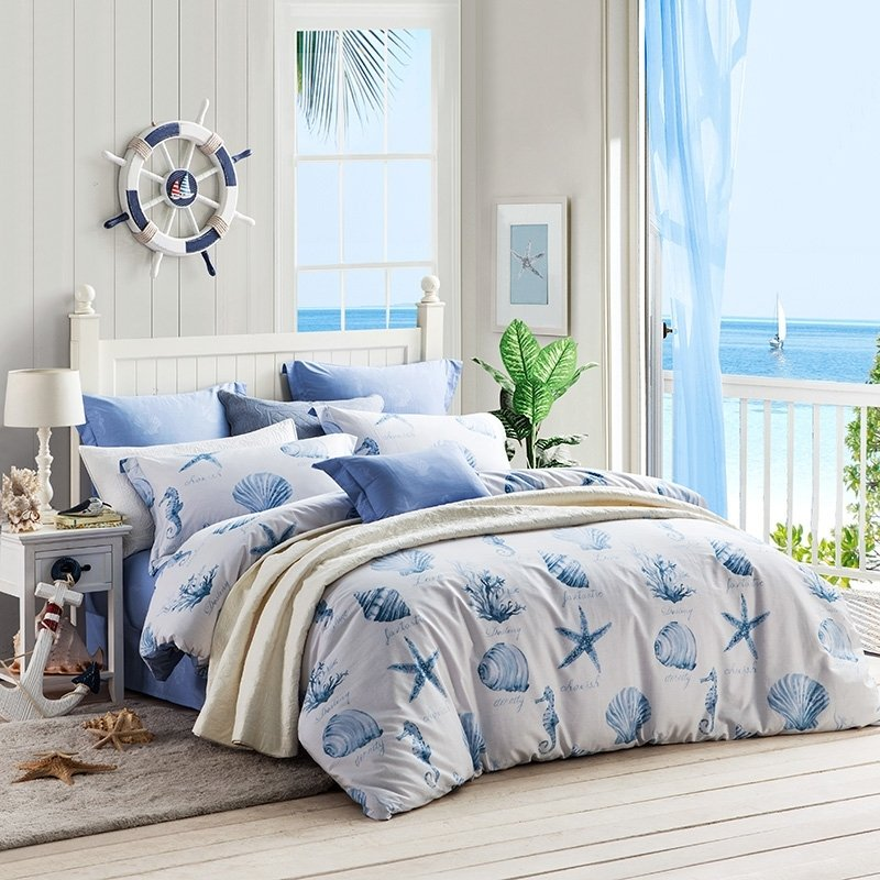 Ocean Blue and White Ocean Themed Seashell, Seahorse, Seastar and Coral Reef Print Stylish 100% Cotton Full, Queen Size Bedding Sets