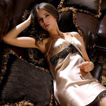 100% Mulberry Silk Pajamas Good Feeling Tender Care Skin