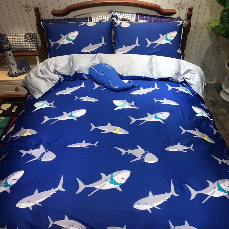 Ocean Animal Themed Royal Blue White and Silver Gray Great White Shark Print Marine Life Kids Twin, Full Size Bedding Sets